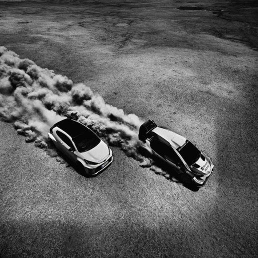 Toyota GR Yaris in der Wüste